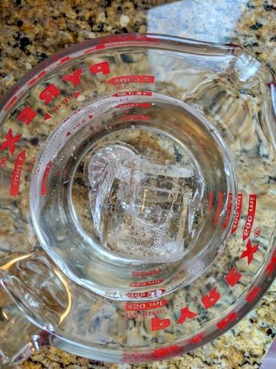 soaking faucet handle in vinegar
