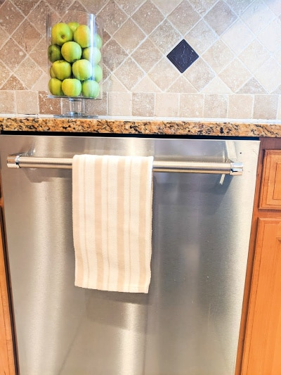 clean dishwasher without a lot of water stains