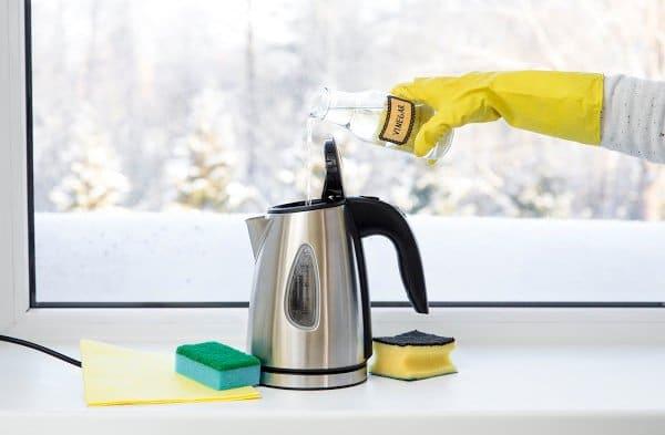vinegar to clean tea kettle