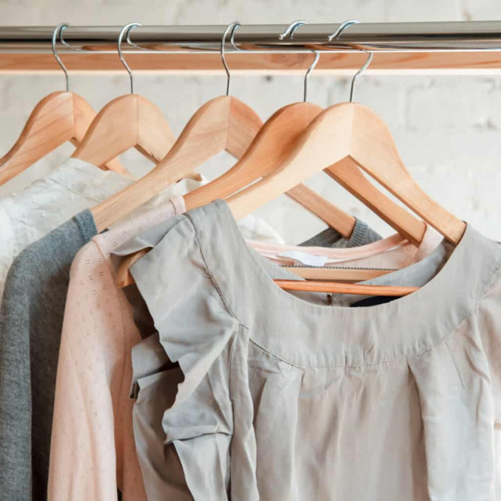decluttering summer clothes